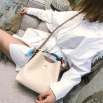 Fashion PU Leather Large Capacity Handbag Ladies Shoulder Messenger Bag(White)