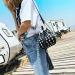 Leisure Fashion Rivet Shoulder Bag Messenger Bag Handbag (Black)
