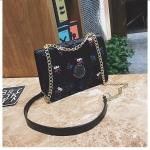 Leisure Fashion Velvet Slant Shoulder Bag (Black)