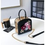 Pearl Flower Casual Shoulder Bag Messenger Bag Ladies Handbag Chain Bag (Black)
