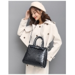 Casual Crocodile Texture PU Leather Shoulder Bag Ladies Handbag Messenger Bag (Black)