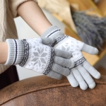 Warm Winter Screen Sense Gloves Wool Knitted Wrist Gloves Snowflake Full Finger Unisex Gloves Mitten(Gray)