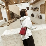 Crocodile Texture PU Leather Single Shoulder Bag Ladies Handbag Messenger Bag (Red)