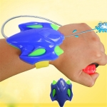 Fashion Intelligent Children Favorite Summer Beach Toys Educational Water Fight Pistol Swimming Wrist Water Tool Boy Gift