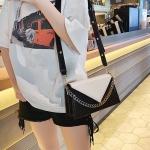 Crocodile Texture Color Matching Magnetic Buckle PU Single Shoulder Bag Ladies Handbag Messenger Bag (Black)