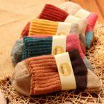 5 Pairs Women Winter Vintage Rabbit Wool Socks Thicken Warm Female Fashion Patchwork Retro thermal Cotton Socks, Size:Free Size(red socks)