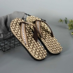 2 Pairs Men Anti-slip Soft Bottom Fashion Wear Massage Sandals Slippers, Size:41(Circle Brown)