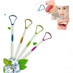 2 PCS Tongue Coating Cleaning Scraper To Remove Bad Breath Tongue Brush Random Color  Delivery